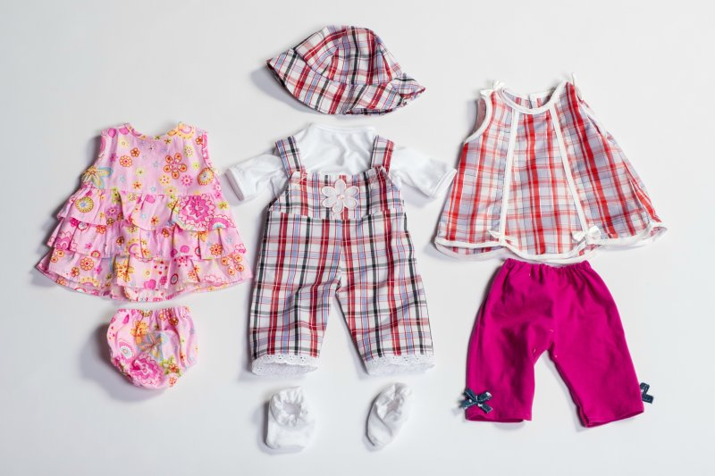 40434 SET 3 GIRL DOLL OUTFITS 40434