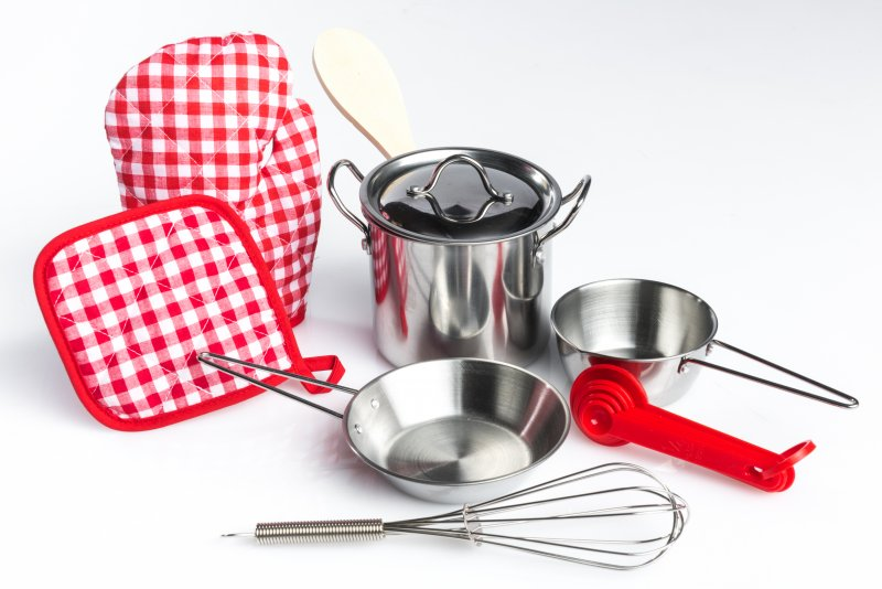 40440 SET 9 STAINLESS STEEL COOKWARE